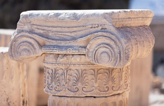 Athen: Detail of Ionic capital