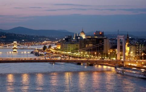 Ungarn: Budapest bei Nacht