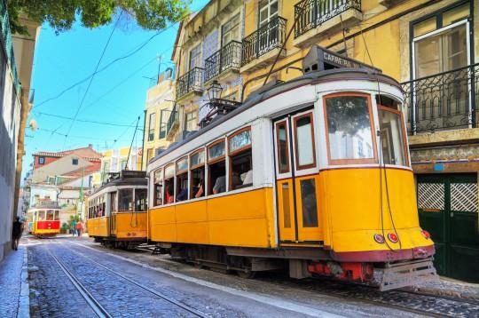 Lissabon: Gelbe Straßenbahnen