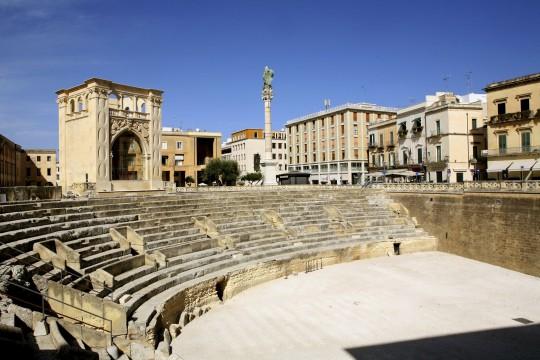 Apulien: Römisches Amphitheater von Lecce