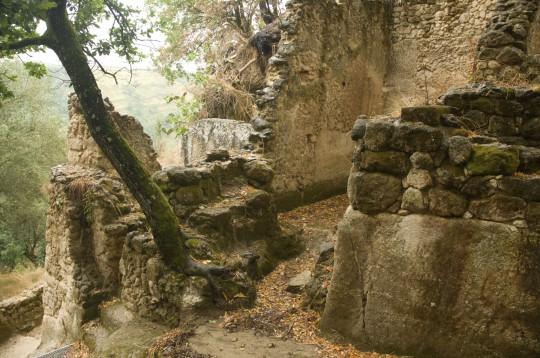 Kalabrien: Höhlenstadt in Zungri