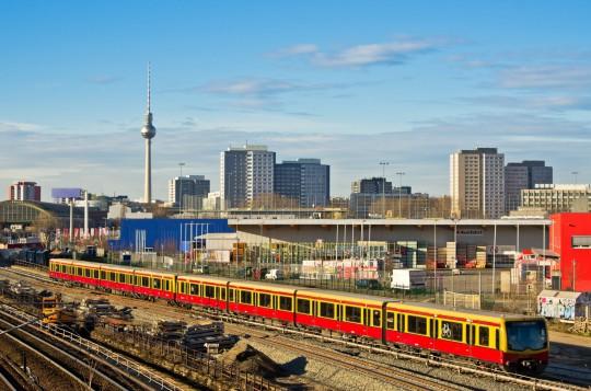 Berlin: Stadtansicht mit der Eisenbahn