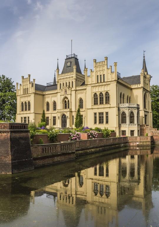 Sehenswuerdigkeiten Ostfriesland Schloss Evenburg