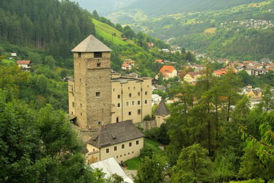 Westtirol: Schloss Landeck