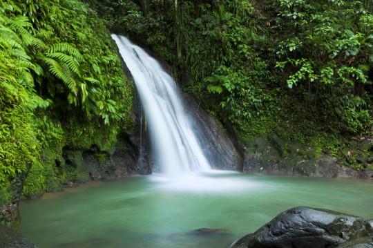 Guadeloupe: Cascades aux Ecrevisses waterfall