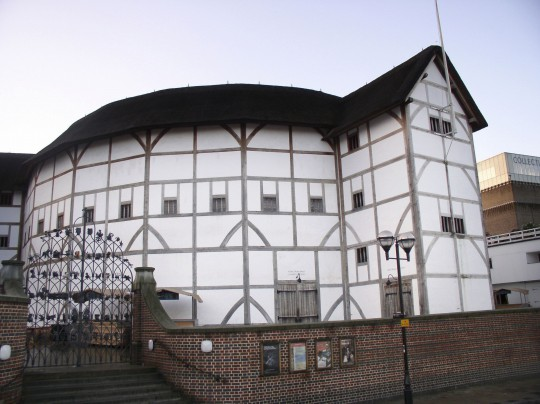 London: Shakespeare`s Globe Theatre