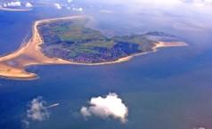 Borkum: Luftaufnahme der Insel