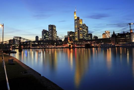 Frankfurt: Bankenviertel und Main Tower