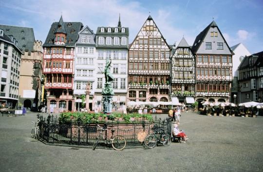Frankfurt: Römerberg Square