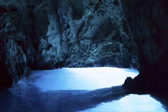 Dalmatien: Biševo: Blaue Grotte