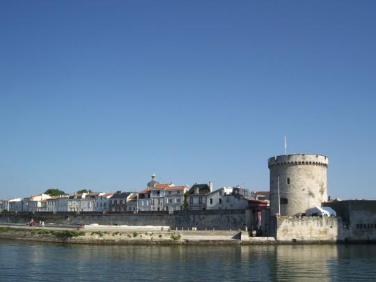 Frankreich: Der Alte Hafen und la Ville-en-Bois