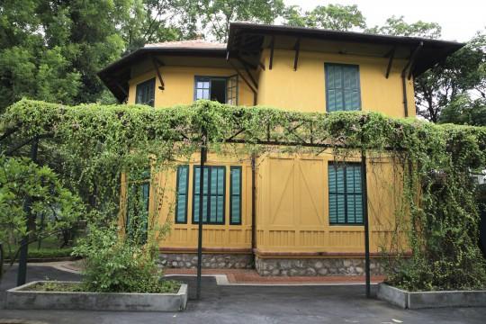 Hanoi & Ha Long Bucht: Ho Chi Minhs Haus