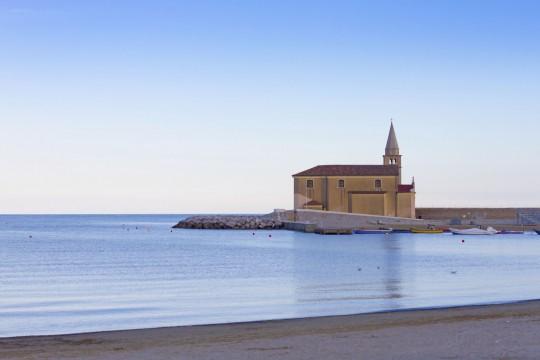 Obere Adria: Kirche Madonna del'Angelo in Cáorle