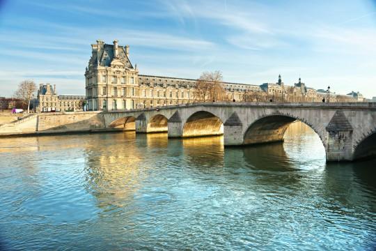 Paris: Louvre & Pont Royal