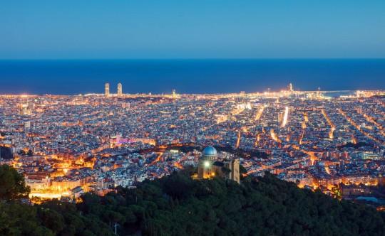 Barcelona in der Abenddämmerung