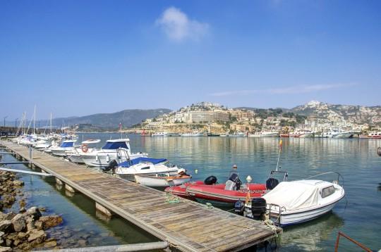 Costa Azahar: Boote im Hafen